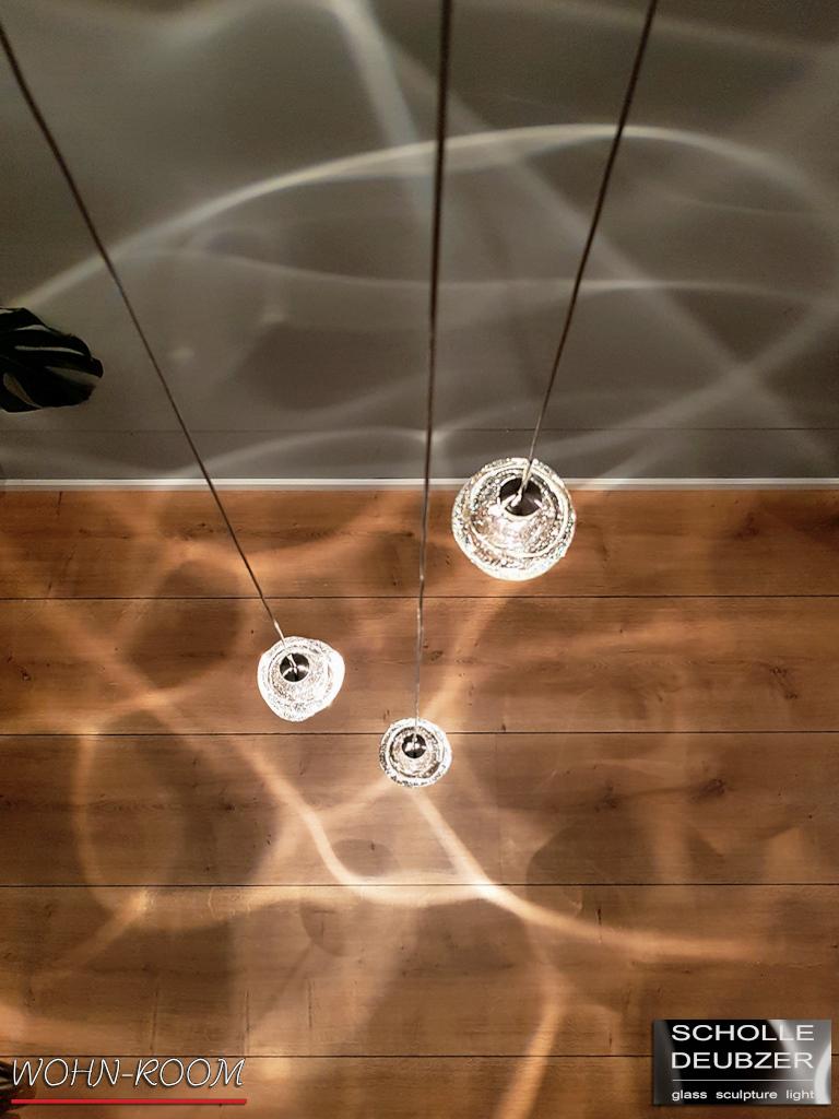 wandverkleidung_licht_drop_scholle-deubzer_wohn-room